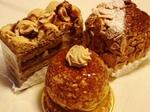 3つのナッツ系ケーキ