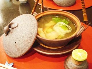 日本料理 植村  松茸の土瓶蒸し