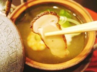 日本料理 植村 マツタケ土瓶蒸し